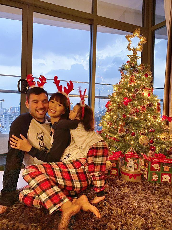 Còn gần 1 tháng nữa mới Noel thế mà Phạm Hương, Tăng Thanh Hà và dàn sao Việt đã nô nức trang trí nhà cửa rồi đây!-5