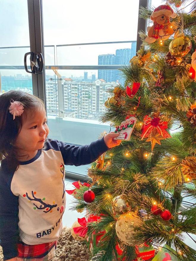 Còn gần 1 tháng nữa mới Noel thế mà Phạm Hương, Tăng Thanh Hà và dàn sao Việt đã nô nức trang trí nhà cửa rồi đây!-7