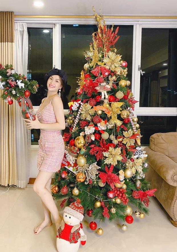Còn gần 1 tháng nữa mới Noel thế mà Phạm Hương, Tăng Thanh Hà và dàn sao Việt đã nô nức trang trí nhà cửa rồi đây!-10