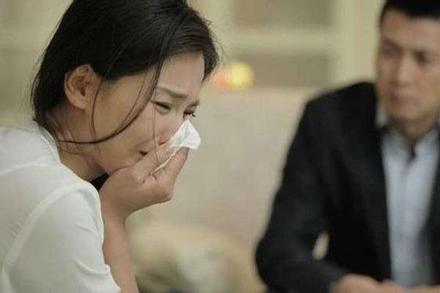 Đang mắc ung thư thì phát hiện chồng ngoại tình, vợ càng đau đớn khi biết danh tính tình nhân