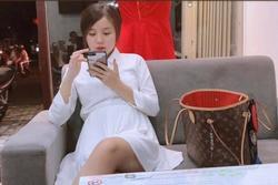 Vợ Hoài Lâm kể từng giấu con vì sợ tiếng không chồng mà chửa