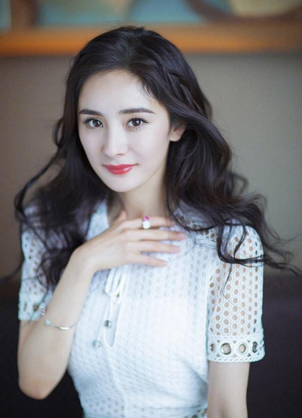 CHUYỆN LẠ KHÓ TIN: Vương Nhất Bác, Tiêu Chiến lọt Top nghệ sĩ bị ghét nhất Cbiz 2019-8