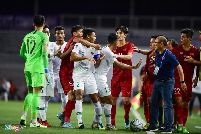 Ảnh chế hai em út U22 Việt Nam phản ứng gắt ở trận gặp Indonesia-2