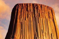 Tháp Quỷ cao 300 m, tồn tại suốt 50 triệu năm ở Mỹ