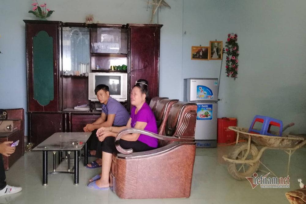 Nước mắt của mẹ Vì Văn Toán sau phiên xử vụ nữ sinh giao gà-1