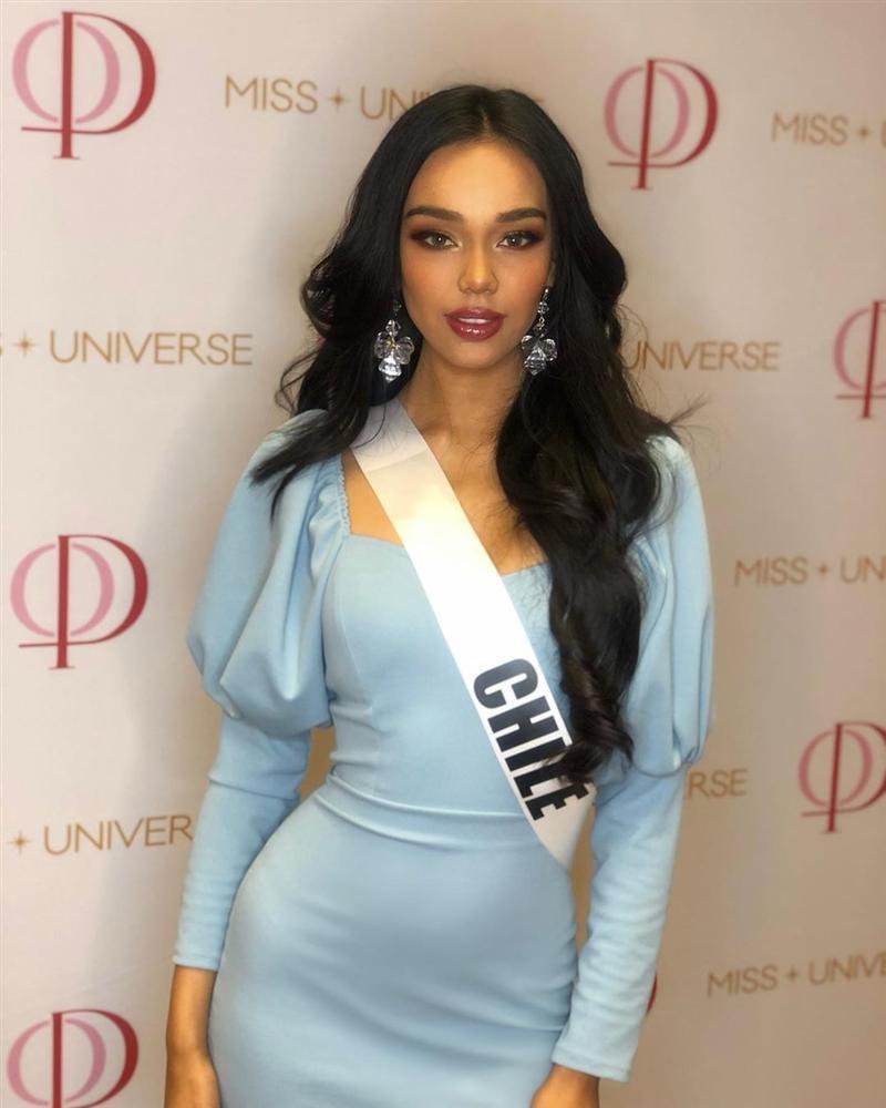 Thí sinh Miss Universe 2019 bị kẹt váy trong thang máy cuốn chỉ vì mặc đầm đuôi cá quá điệu-11
