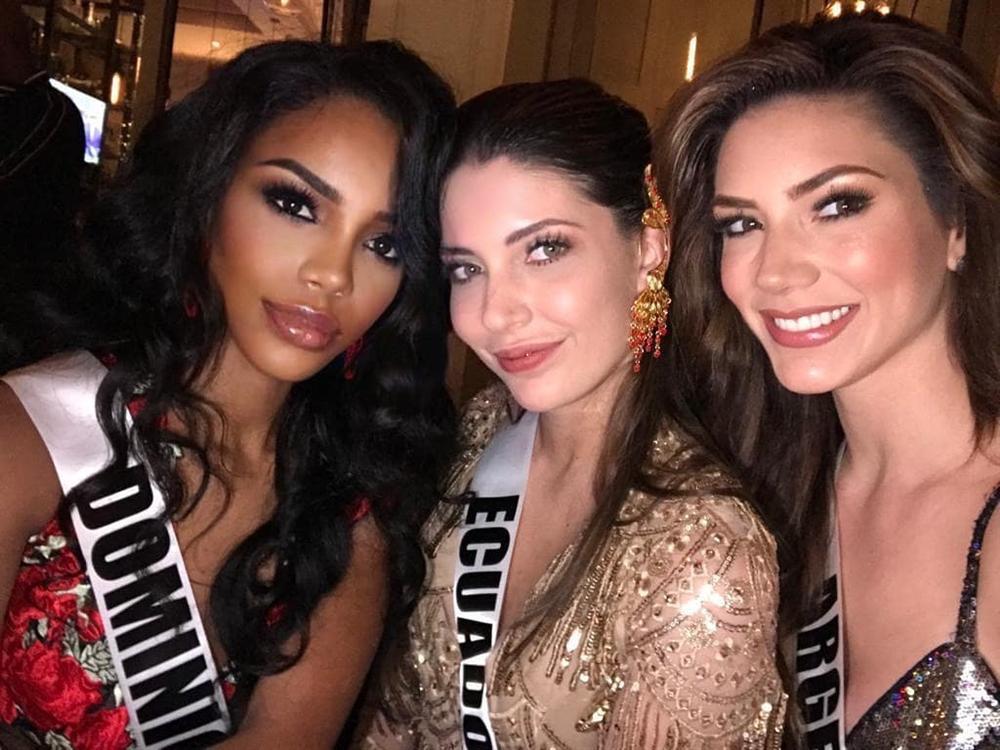 Miss Universe 2019 ngày thứ năm: Hoàng Thùy lên đồ kín đáo, dàn đối thủ ra sức lồng lộn-18