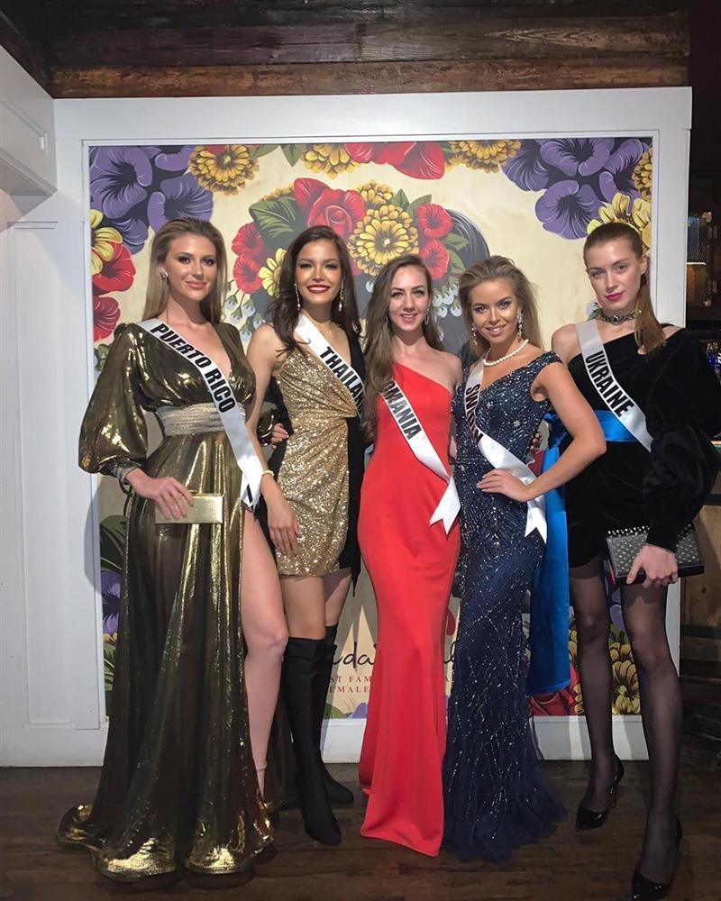 Miss Universe 2019 ngày thứ năm: Hoàng Thùy lên đồ kín đáo, dàn đối thủ ra sức lồng lộn-17