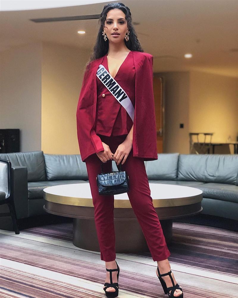 Miss Universe 2019 ngày thứ năm: Hoàng Thùy lên đồ kín đáo, dàn đối thủ ra sức lồng lộn-11