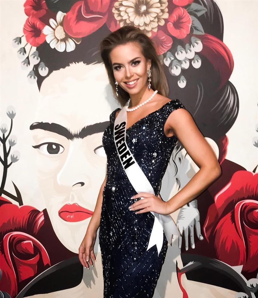 Miss Universe 2019 ngày thứ năm: Hoàng Thùy lên đồ kín đáo, dàn đối thủ ra sức lồng lộn-10