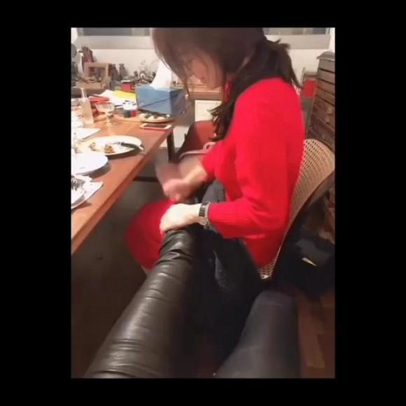 Song Hye Kyo bí mật đi hẹn hò lại còn chấp nhận ngồi xoa bóp chân cho nhân vật giấu mặt-2