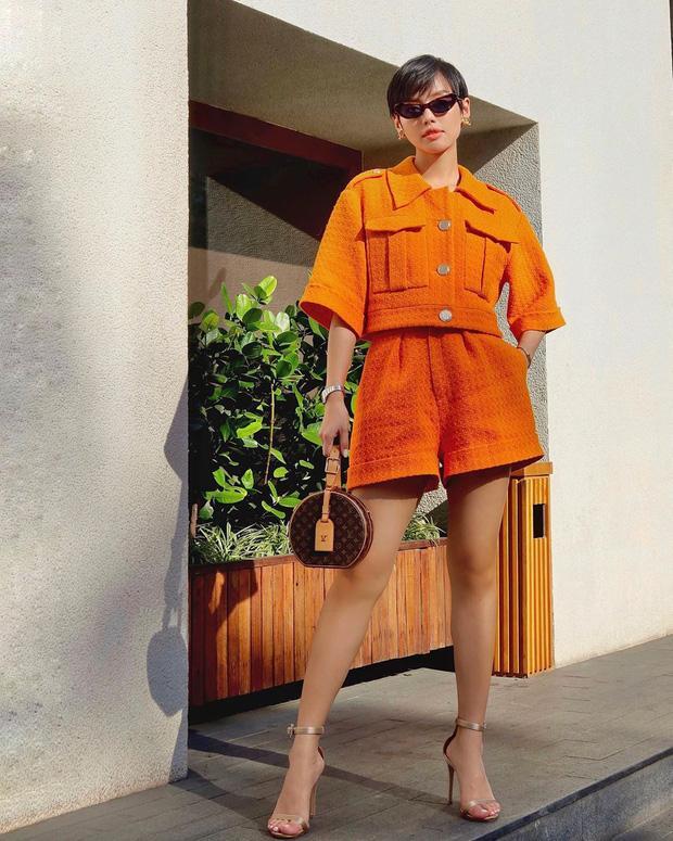 Chi Pu khoe đường cong S-line với đầm bó sát - Min hack tuổi với công thức mix đồ nữ sinh-5