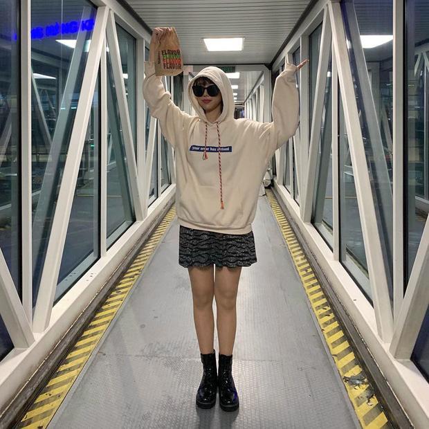 Chi Pu khoe đường cong S-line với đầm bó sát - Min hack tuổi với công thức mix đồ nữ sinh-6
