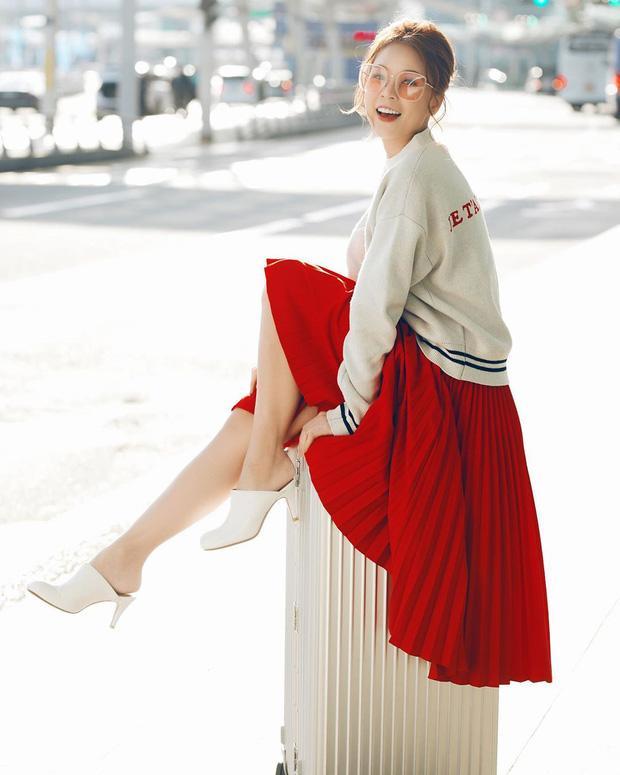 Chi Pu khoe đường cong S-line với đầm bó sát - Min hack tuổi với công thức mix đồ nữ sinh-8