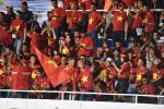 CĐV lo lắng mưa lớn ảnh hưởng đến lối chơi của U22 Việt Nam-3
