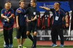 Lan truyền khoảnh khắc thầy Park 'nổi đóa' với trọng tài vì làm U22 Việt Nam gặp bất lợi