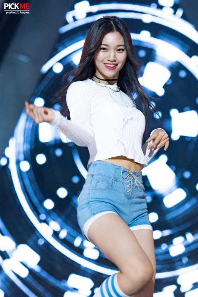 Thần tượng Kpop cao 1,73 m, vóc dáng như người mẫu-1