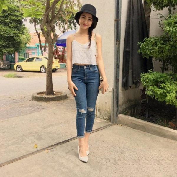 Giữa ồn ào sinh con, Hòa Minzy khoe vòng 1 khủng đúng kiểu mẹ bỉm sữa khi dự show thời trang-5