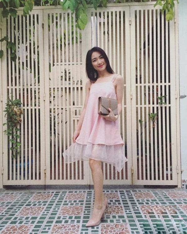 Giữa ồn ào sinh con, Hòa Minzy khoe vòng 1 khủng đúng kiểu mẹ bỉm sữa khi dự show thời trang-7