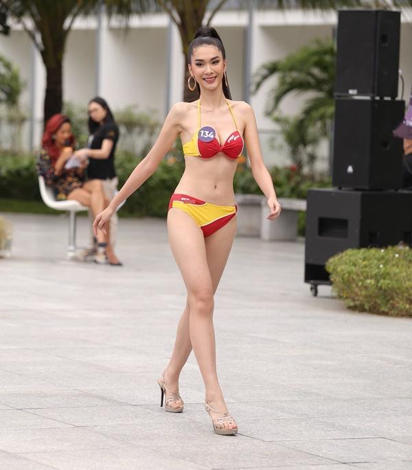 Thí sinh Hoa hậu Hoàn vũ Việt Nam 2019 thi Người đẹp biển: Chiến thắng gọi tên ai?-7