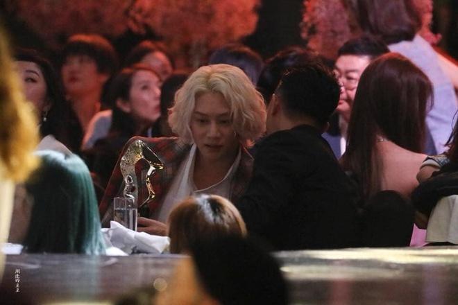 Han Geng ôm Hee Chul sau 10 năm rời Super Junior-4