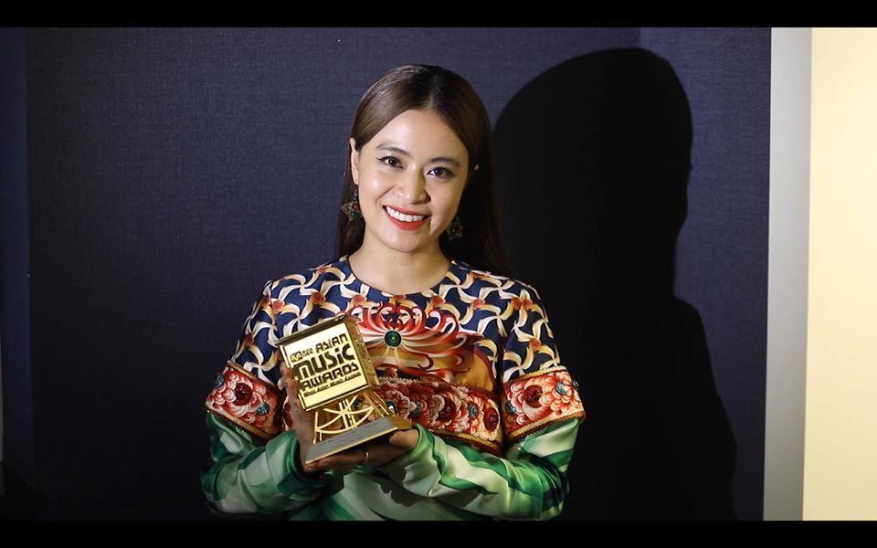 Bị chê nát nước ở Việt Nam nhưng ra mà xem Jack vừa nhận cúp vàng MAMA 2019 kìa!-2