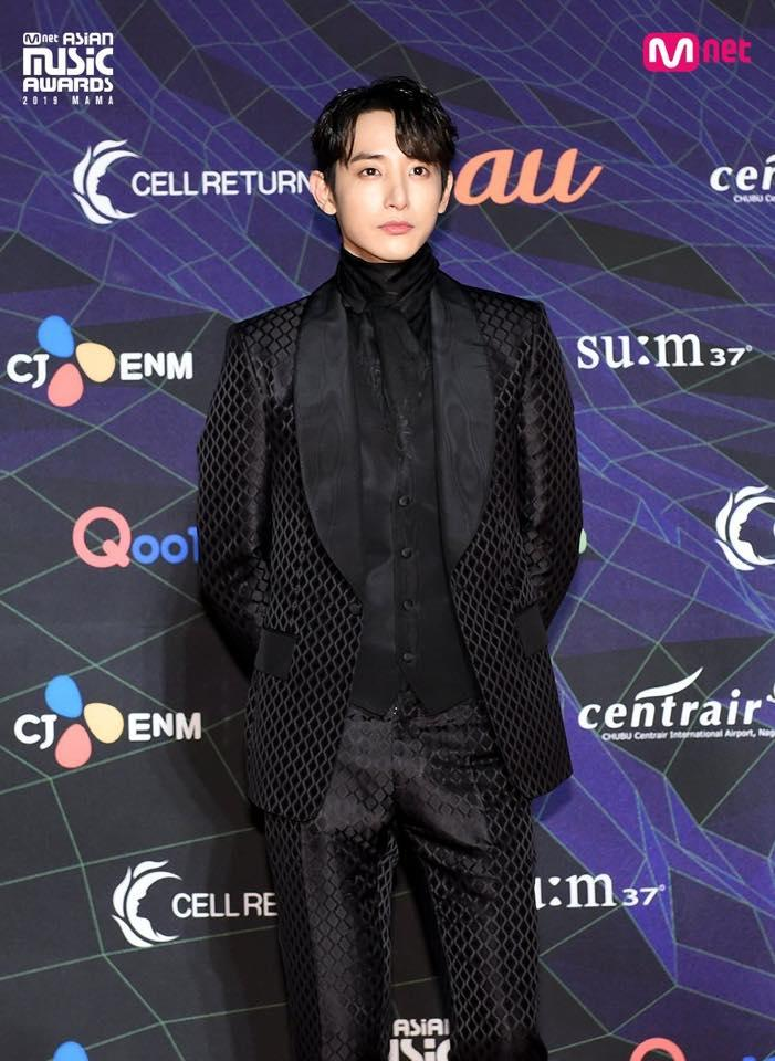 Thảm đỏ lễ trao giải MAMA: BTS cá tính, Cổ Lực Na Trát make-up vội vẫn đẹp xuất sắc-18