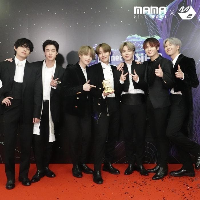 Tổng kết MAMA: Twice làm nền cho BTS all-kill Daesang-1
