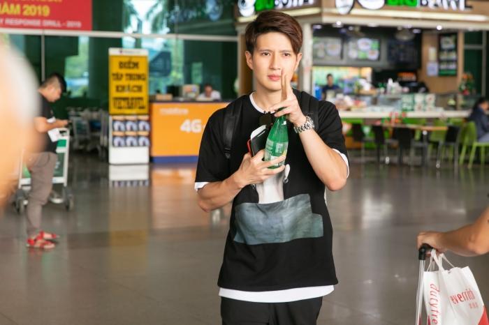 Fiona Fung, Young Jae (B.A.P) cùng dàn nghệ sĩ châu Á đổ bộ sân bay Tân Sơn Nhất-11