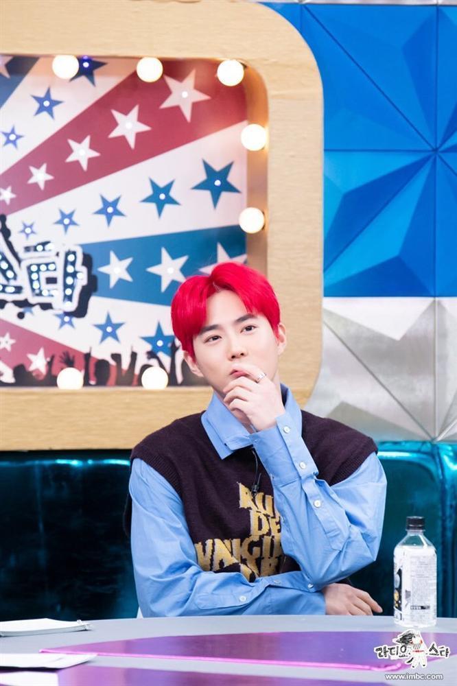 EXO được hỏi về việc gia hạn hợp đồng, câu trả lời của Suho khiến fan ấm lòng-1