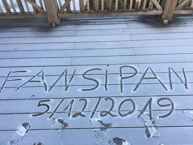 HOT: Xuất hiện băng giá phủ trắng đỉnh Fansipan, dân tình rục rịch rủ nhau cuối năm lên Sa Pa săn tuyết rơi-5