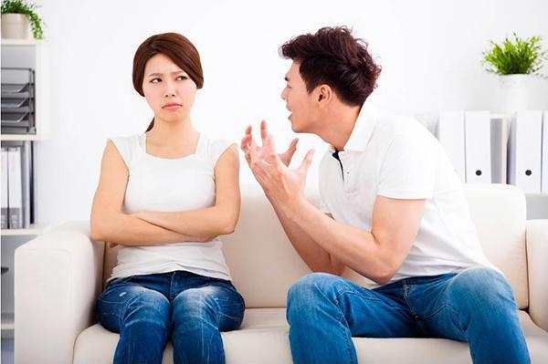 Vợ bận tối mặt vì 2 con nhỏ vẫn phải chăm em chồng đẻ nhưng chồng vẫn nói những câu làm chị em giận tím mặt-2
