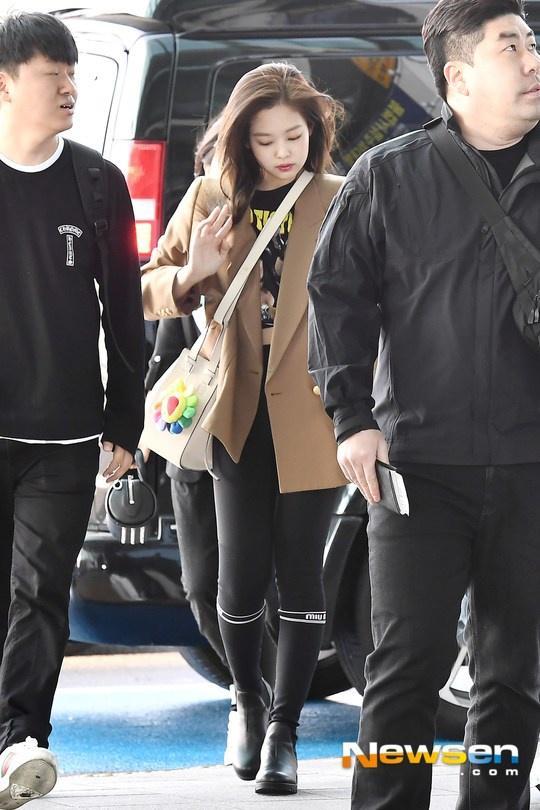 Lisa và dàn mỹ nhân Hàn gợi ý cách phối đồ đẹp khi đi boots-3