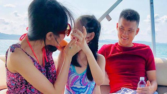 Mới 6 tuổi, con gái Thủy Tiên - Công Vinh đã sở hữu chiều cao vượt trội, gia nhập hội chân dài ái nữ nhà sao Việt-2