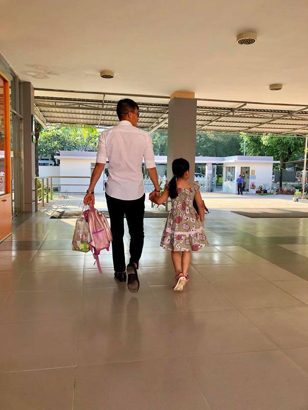 Mới 6 tuổi, con gái Thủy Tiên - Công Vinh đã sở hữu chiều cao vượt trội, gia nhập hội chân dài ái nữ nhà sao Việt-6