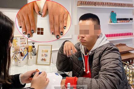 Chị em xôn xao cách giữ chồng bá đạo: Đưa chồng đi làm nail, viết tên vợ lên móng tay