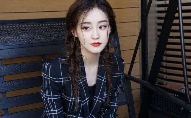Người đẹp màn ảnh mà Kim Hee Chul yêu thích - Chúc Tự Đan bắt đầu bị công ty bỏ rơi?-4