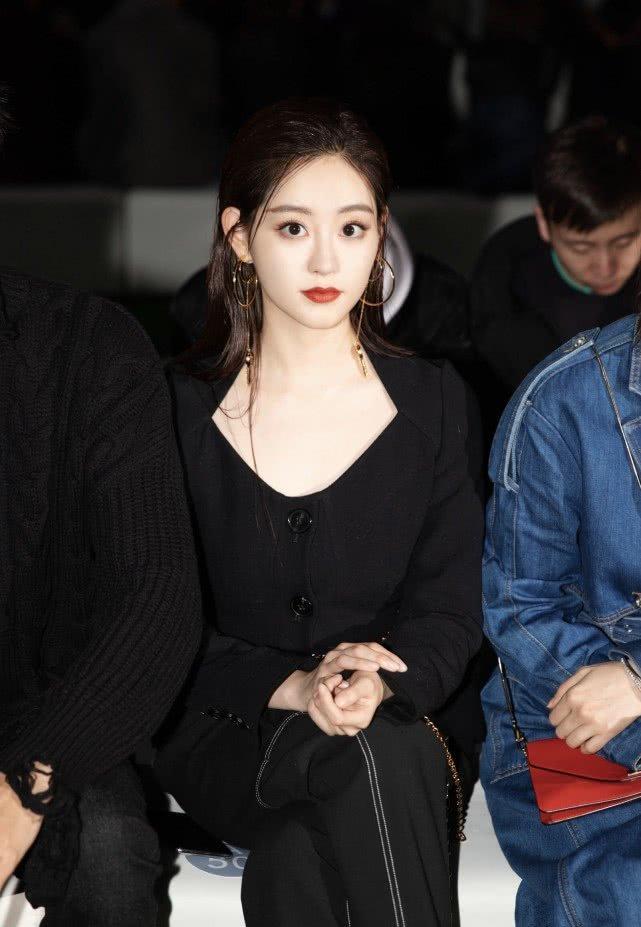 Người đẹp màn ảnh mà Kim Hee Chul yêu thích - Chúc Tự Đan bắt đầu bị công ty bỏ rơi?-6
