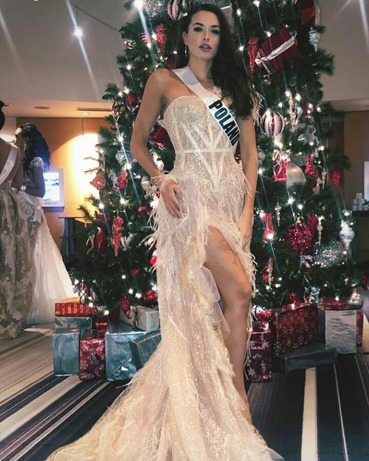 Miss Universe 2019 ngày thứ 7: Đối thủ lên đồ rực rỡ, tìm Hoàng Thùy khó như mò kim đáy bể-8