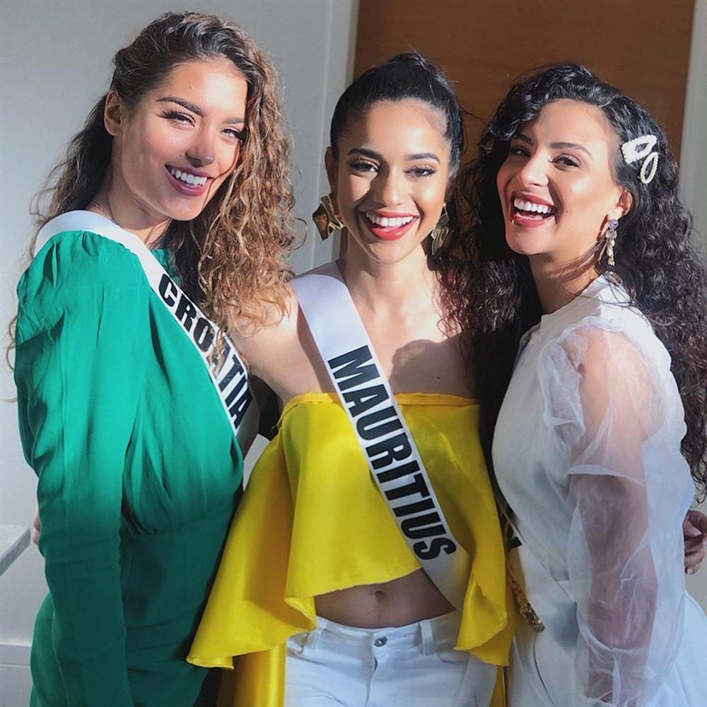Miss Universe 2019 ngày thứ 7: Đối thủ lên đồ rực rỡ, tìm Hoàng Thùy khó như mò kim đáy bể-20