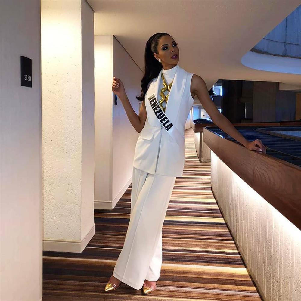 Miss Universe 2019 ngày thứ 7: Đối thủ lên đồ rực rỡ, tìm Hoàng Thùy khó như mò kim đáy bể-19