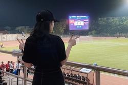 Bạn gái Văn Hậu sang Philippines xem U22 Việt Nam đấu Thái Lan