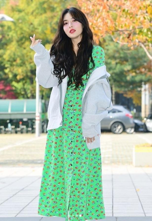 Không phải đồ hở hang, HyunA ngoài đời thích mặc váy áo hoa nữ tính-3