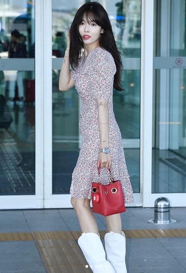 Không phải đồ hở hang, HyunA ngoài đời thích mặc váy áo hoa nữ tính-6