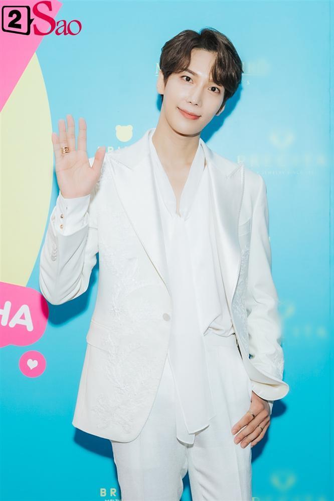 Hari Won khen Park Jung Min và Trấn Thành đều là nam thần tài giỏi-7