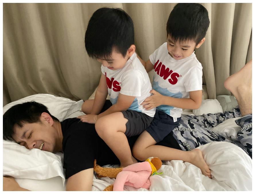 Đăng ảnh mừng sinh nhật con trai, Lâm Chí Dĩnh lại gây sốt vì quá trẻ ở tuổi U50-6