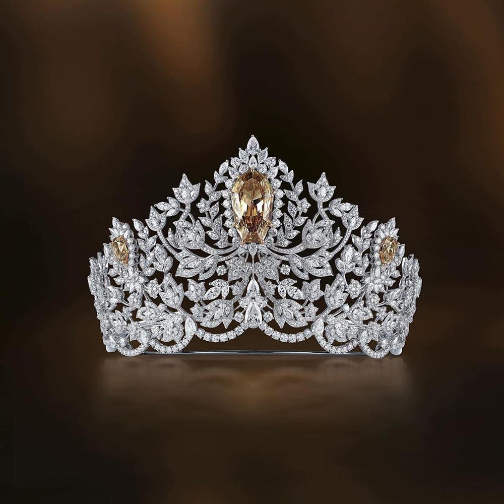 Miss Universe 2019 ra mắt vương miện 116 tỷ, khán giả ụp vội lên đầu Hoàng Thùy xem hợp hay không-3