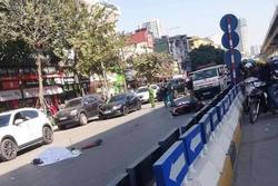 Xe tải tông xe máy 'kẹp' 3 trước hầm chui Thanh Xuân, 2 người tử vong