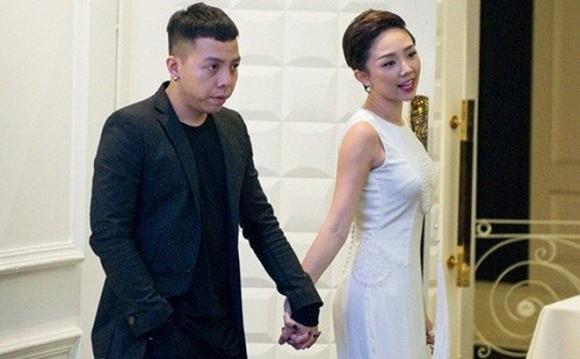 Hình ảnh Tóc Tiên thân thiết chụp ảnh cùng gia đình bạn trai Hoàng Touliver gây chú ý-6