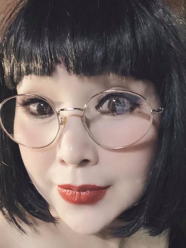 Sau khi khoe ảnh không chỉnh sửa, NSND Lan Hương lại dọa ma với những hình selfie đáng sợ-2